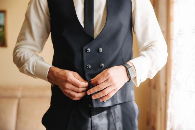החליפה הנכונה צריכה להתאים לאווירה ולסגנון של האירוע כולו
