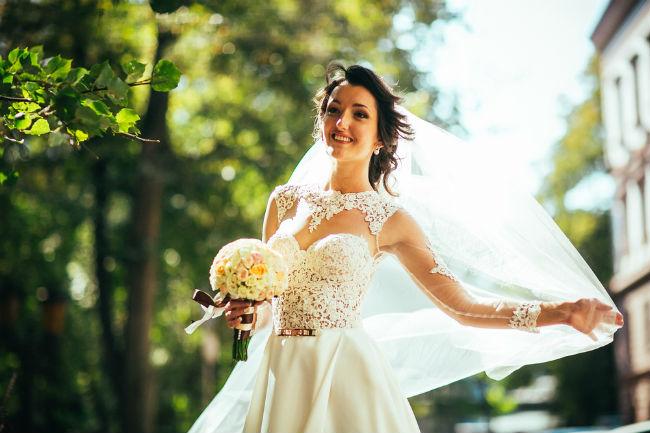 התאימי בין המראה לבין המקום בו בחרת להתחתן