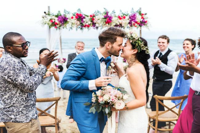 אם תתכננו אותה כראוי, החתונה שלכם על החוף תהיה מושלמת