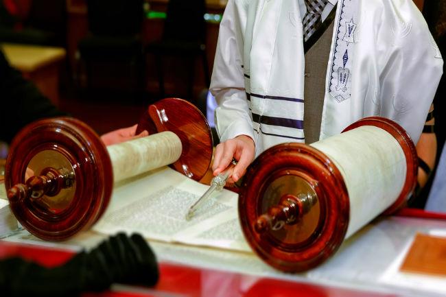 המשמעות העמוקה של הטקס נעוצה בהשלכות של הכניסה לעולם המבוגרים