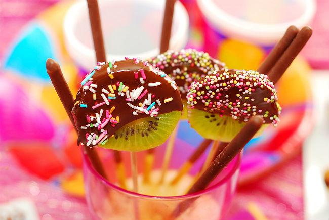 סוכריות קיווי מצופות שוקולד