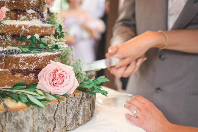 מראה כפרי שמתאים לחתונה בחווה