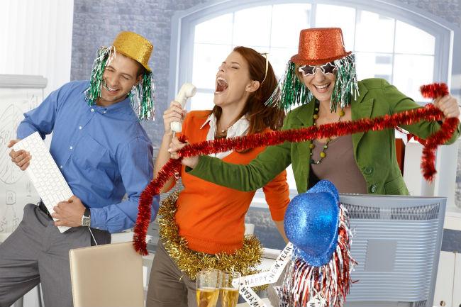 לא כולם ישמחו להגיע למסיבת תחפושות פעם אחר פעם