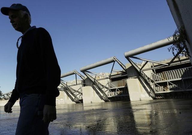 כולם חדשים הסופה שתהפוך חלקים מלוס אנג'לס לאגם NY-78
